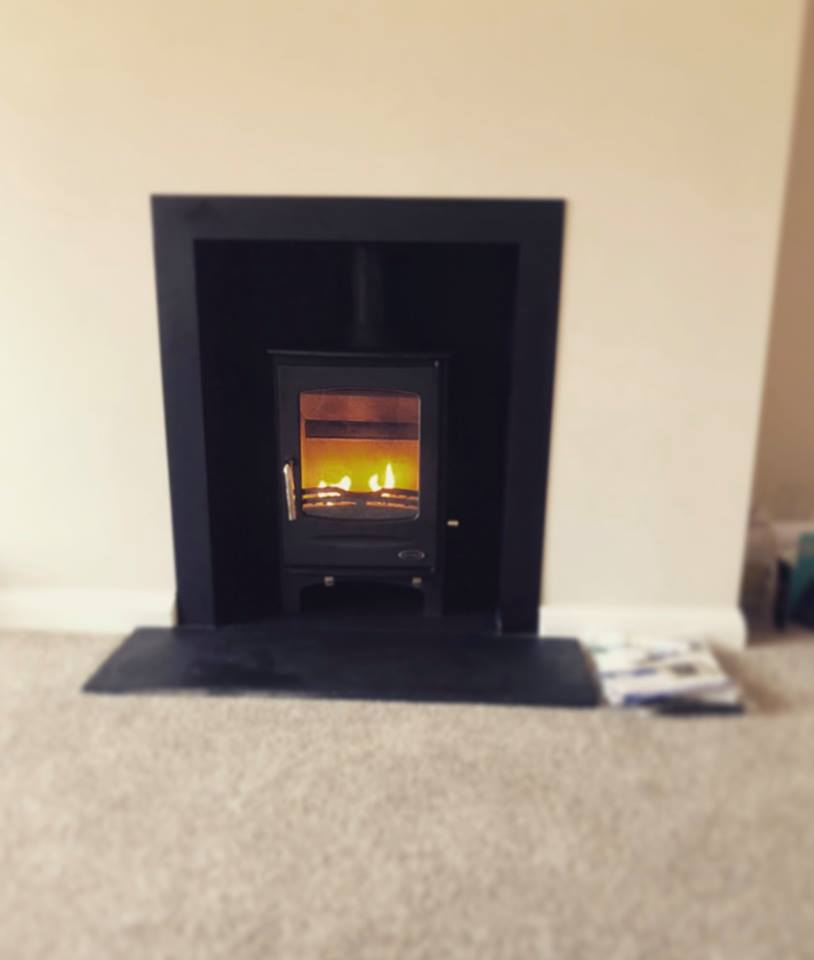 Henley. 5kw, woodburning, multifuel, bangor, Newtownards, Belfast, Holywood, Conlig, Stove yard, Fireplaces, flue pipe, hearths, room heater